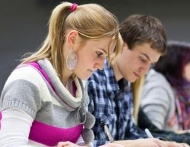 4 reasons to start university-level study at college this year