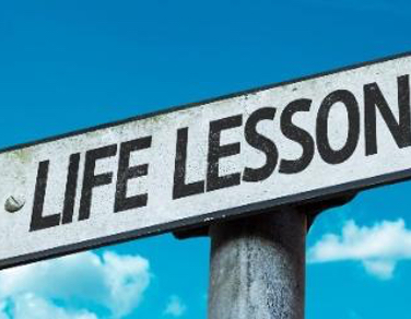 5 valuable lessons that you learn out of the classroom at university