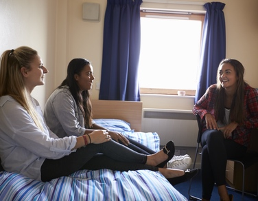 Studying in London: Halls vs House Shares